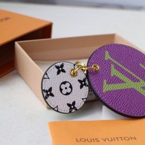 LOUIS VUITTON Key Holders